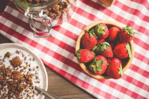 Erdbeeren zum Früstücksmüsli